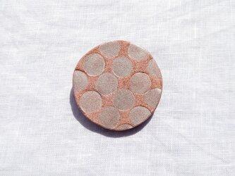 みずたま4(シルバー×ピンク) 陶土ブローチの画像