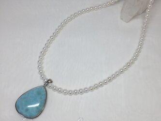 ラリマーと淡水パールのネックレスの画像