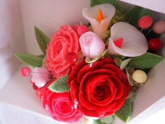バラのボックスアレンジメント~。ソープカービング/石鹸彫刻の画像