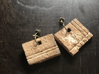 焼締&灰釉「square asymmetry」ピアス(リバーシブル)の画像