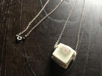 白磁灰釉「block」シルバーチェーンネックレスの画像