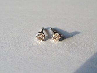 Pt900 ブラウンダイヤひと粒ピアス/0.05ct ×2の画像