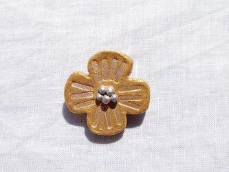 花摘み3(ゴールドストライプ) 陶土ブローチの画像