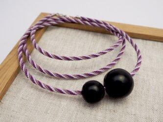 漆玉黒と組み紐の2粒ネックレスの画像
