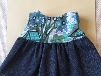 sokko's Dress 濃紺デニムとグレー地に花柄のワンピースの画像
