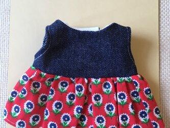 sokko's Dress 濃紺デニムと赤地に紺色花柄のワンピースの画像
