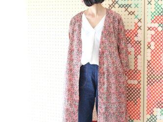 花柄ブロックプリントノーカラーコート【アンバーベージュ】の画像