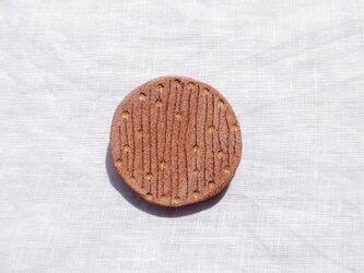 点と線4(ピンク) 陶土ブローチの画像
