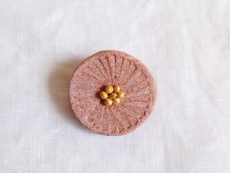 まるい花2(ピンク) 陶土ブローチの画像