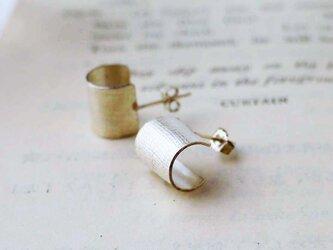 純銀の麻布目 輪ピアスの画像