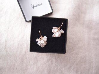 【K14gf・受注制作】花びらパールのふさふさピアス/petit petal pearl・smallの画像