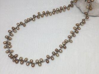 淡水パールのネックレス ブロンズの画像