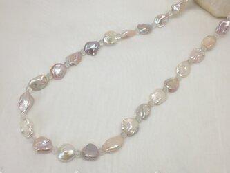 淡水パールと水晶のネックレスの画像