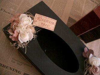 ティッシュbox ブラック(樹脂clayrose)の画像