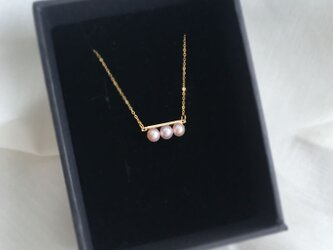 SIMPLE PINK PEARLS BAR NECKLACEの画像