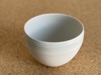 サラダなどに使いやすい丸いボウル 碗  の画像