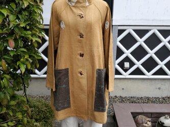 着物リメイク 手作り 珍しい地厚のふろしき 型染めポケット 後ろリボン 上着の画像