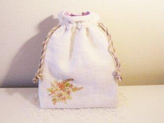 フェミニンお花ブーケ刺繍入りデザイン巾着の画像