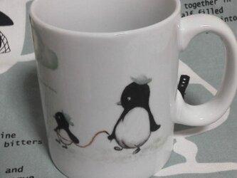 『ペンギンさん親子のお散歩』のマグカップの画像