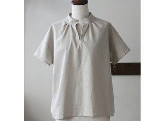 Tシャツ感覚で着られる スタンドカラーのプルオーバー コットンリネン ベージュ (F)の画像