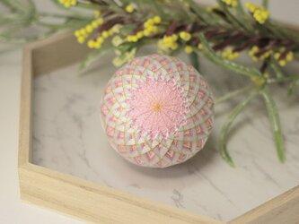 ロゼシャンパン手毬 お飾りの画像