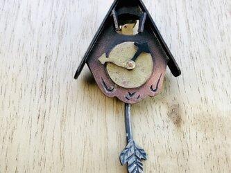 小さなカッコウ時計のブローチ④の画像