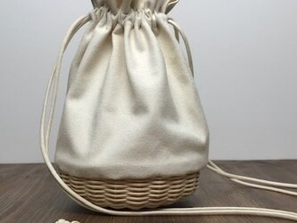 帆布とラタンの巾着バッグ/ショルダーバッグ/斜め掛けバッグ/ポシェット【小】キナリの画像
