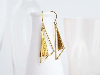 三角プレートと二等辺三角形のピアス(イヤリング)の画像