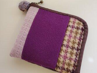 あったかウール生地の2つ折り財布 紫の画像