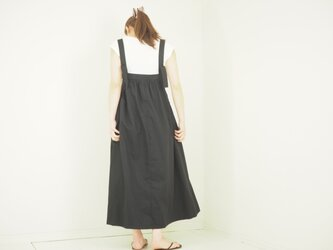 ギャザーコットンのサロペットスカート ブラックの画像