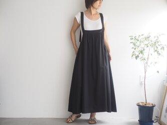 ギャザーコットンのサロペットスカート ブラック  No.64の画像