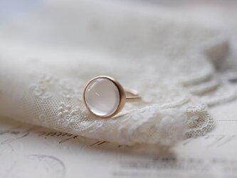 花香ローズクォーツのリングの画像