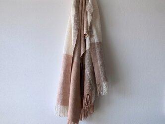 桜染めの手織りストール 桜色×灰桜色の画像