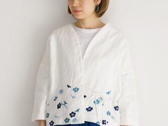 袷のショートジャケット白 梅の画像