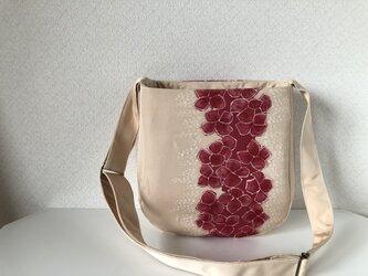 帯バッグ〜ピンク色の花〜の画像