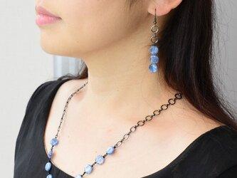 カイヤナイトのネックレスの画像
