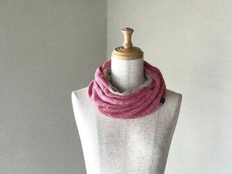 フレンチリネンのねじりリバーシブルニットスヌード Pink/Beigeの画像