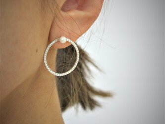 Planet Moon / Earrings (ピアス) - 2 pearlsの画像