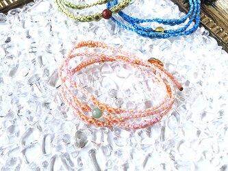 新色追加!天然石のマクラメ編みブレスレット【鼓動】ピンク系・ヒスイの画像