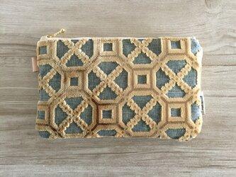 モロッカン生地で作った幾何学模様のポーチ プレスティジアの画像