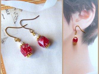 20p014 真っ赤な宝石のピアス ホムポムの画像