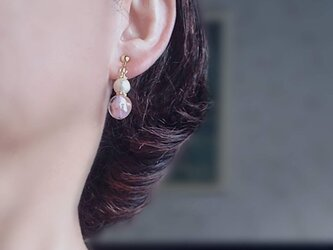 桜色のパールイヤリング(ピアス)の画像