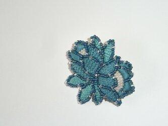 花*花浅葱 ビーズ刺繍ブローチの画像