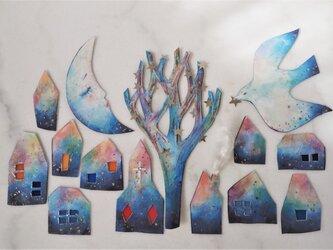 眠る三日月と星の木のガーランド p-1の画像