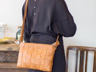 ソファ用牛革製 / ショルダーバッグ/ キャメル色の画像