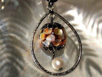 ネックレス ほたる玉 とんぼ玉 16mm コットンパール 雫 紐 コード 光る ガラスビーズ 沖縄 琉球 工芸 オレンジの画像