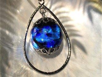 特大 ほたる玉 ネックレス とんぼ玉 20mm 雫 紐 コード 光る ガラスビーズ 沖縄 琉球 工芸 ブルーの画像