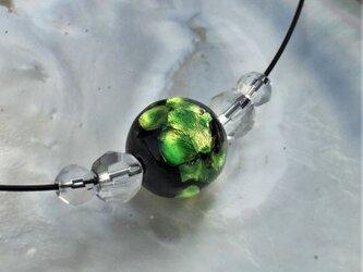 ネックレス ほたる玉 とんぼ玉 16mm シンプル ワイヤー 光る ガラスビーズ 沖縄 琉球 工芸 フォレストグリーンの画像
