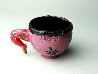 豊かな女性と猫の黒猫のカップ/陶芸家がつくるマグ/おしゃれで可愛いマグ/ユニークな器/瀬戸黒/色絵付け/マグ集めの画像