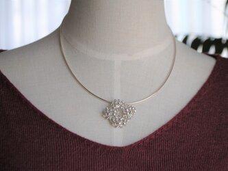 『永遠のシロツメクサ花冠』首飾りセットの画像
